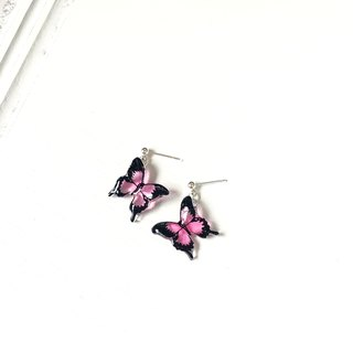 * Haku‧Neko * Pink Hand-painted Swallowtail Butterfly Earrings