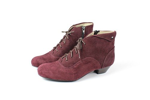 │ burgundy metal low-heeled boots