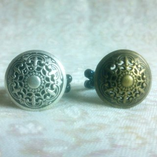 Buckle. Ring - Retro carved button ring - antique silver US
