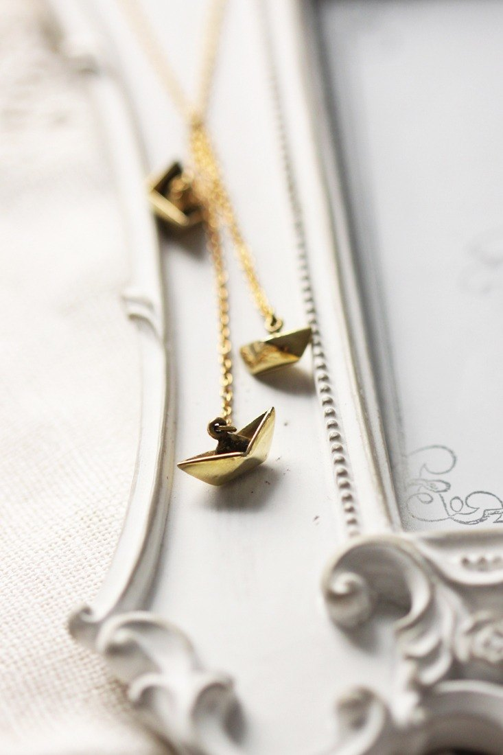 Pendant necklace folded paper boat