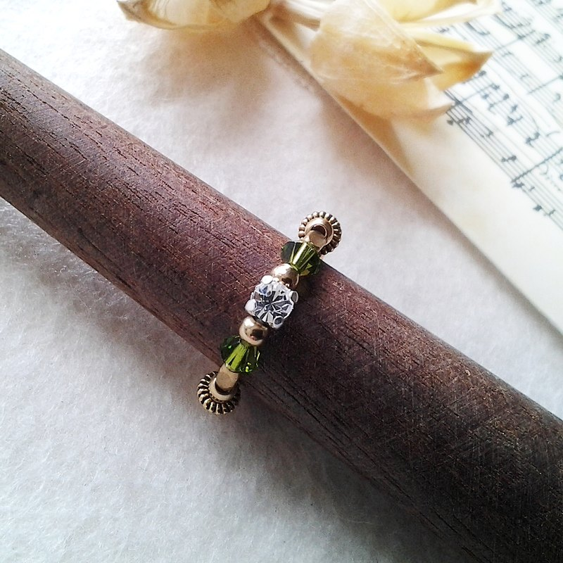 EF brass ring golden years NO.34 dark green rhinestone