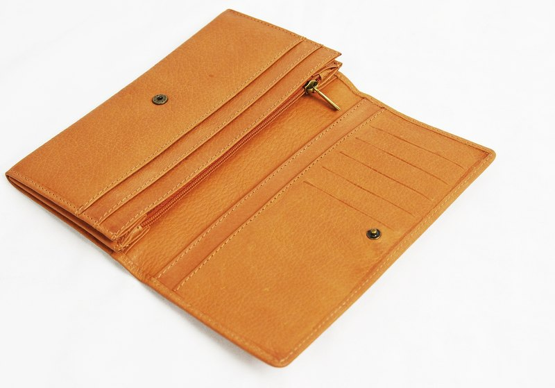Long brown leather folder _ _ fair trade