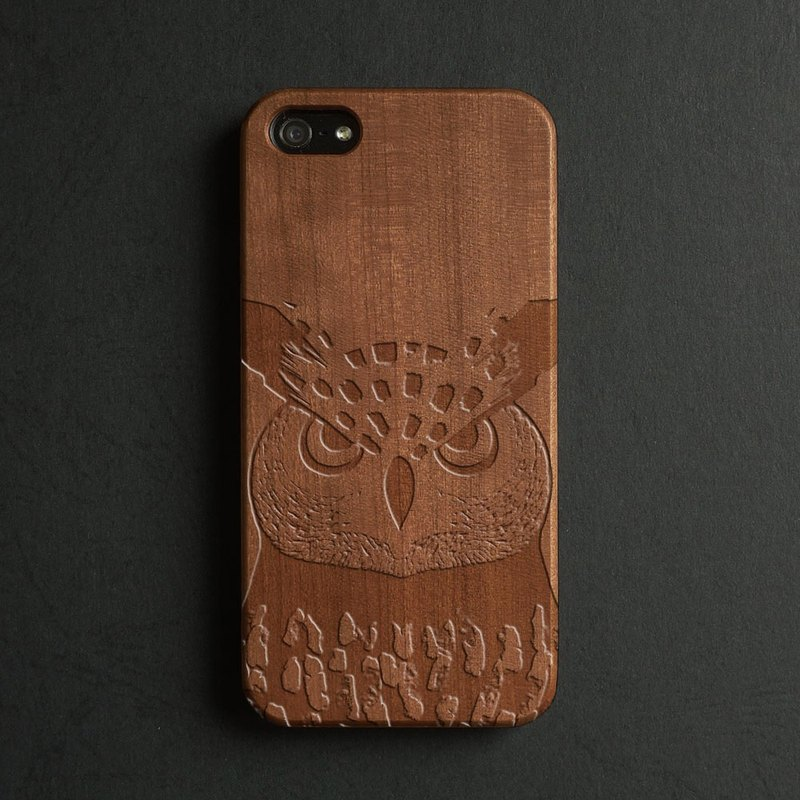 Real wood engraved iPhone 6 / 6 Plus case owl S029