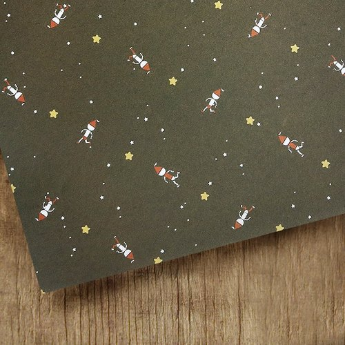 / Puputraga / Plus purchase ~ No separate sales ~ running fun Christmas wrapping paper