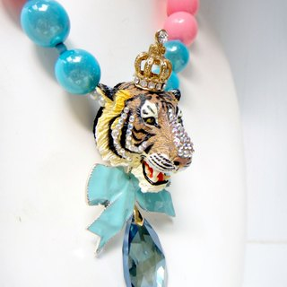 Tiger head color thick bead necklace