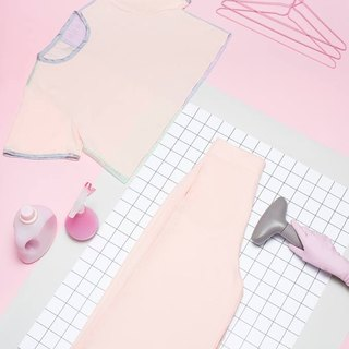 Pink edging shirt (back panel color)