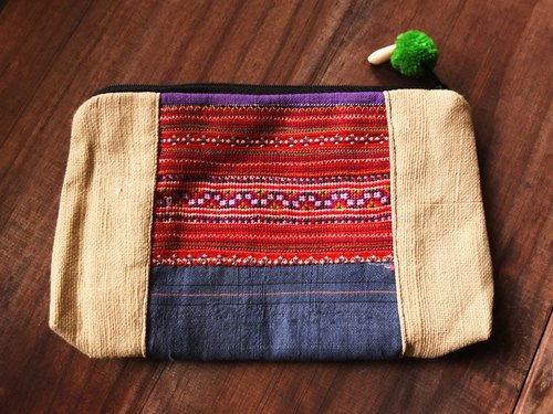 [Music] * beat * the only one in northern Thailand ethnic weaving universal bag / cosmetic bag (purple brown)