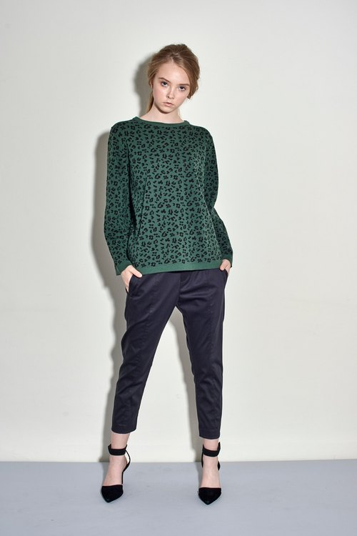 Green wool leopard totem knit sweater