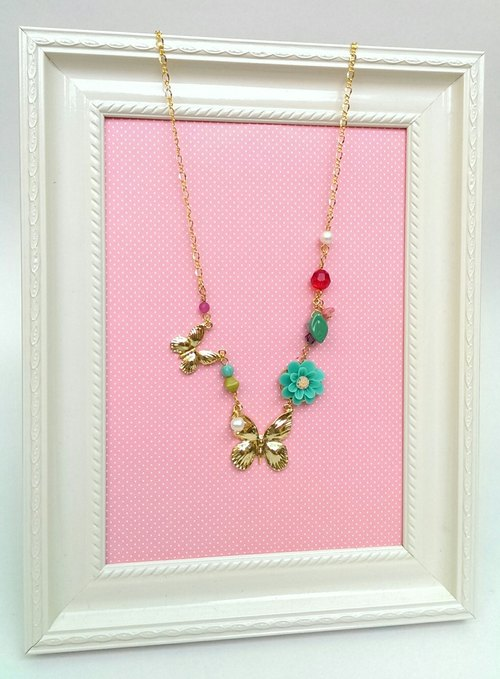 Butterflies - green flower necklace