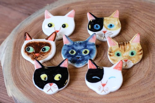 Cat § brooch
