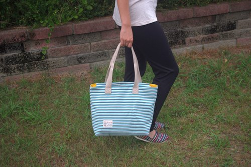 Natural wind can shoulder a large tote bag (large, L-size .. zipper)