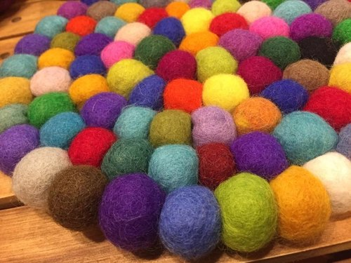 ☆ handmade wool felt balls potholder ☆ (do not pick the color random shipments)