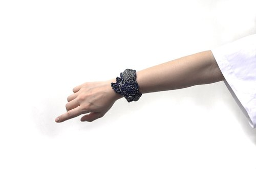 Fish and close all hand hand-woven leather strap Fish Bracelet