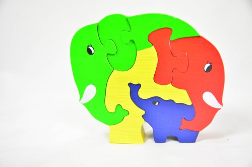 Elephant family puzzle _ fair trade