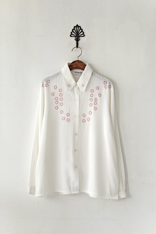 [Banana Flyin & # 39;] Japanese retro wrinkled white shirt with flowers