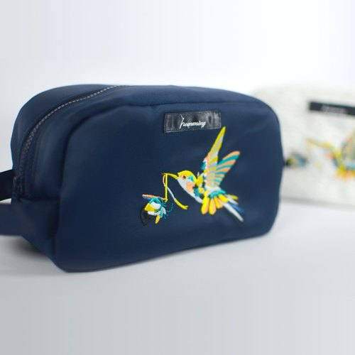 humming- ceremony flowers hummingbirds Embroidery cosmetic bag <embroidery toast package> - dark blue satin