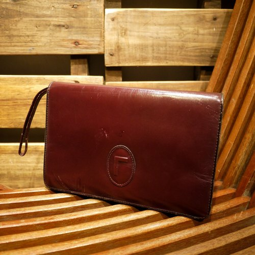 Skarn Shika // Vintage bag burgundy leather clutch {A5-001}