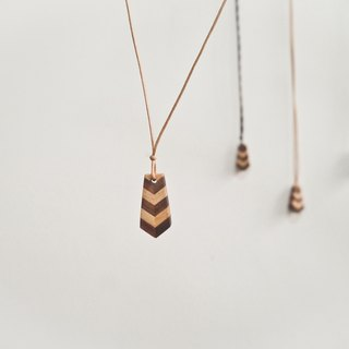 Tie Necklace wood