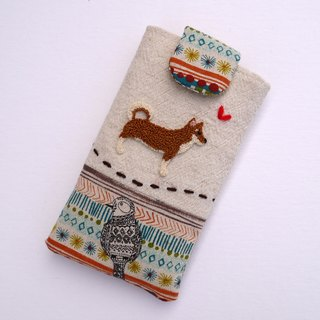 Shiba Inu embroidered cell phone pocket (M)