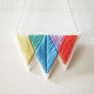 Three primary color embroidery non-woven necklace