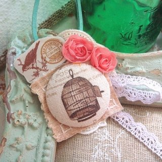 Garohands Classical Birdcage lace roses hand in a long chain of forest-based gift A195