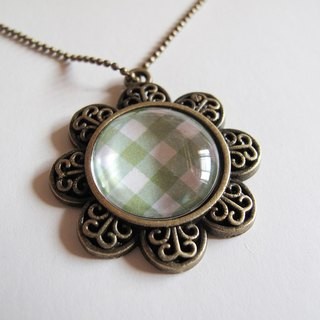 Scotland green necklace pattern