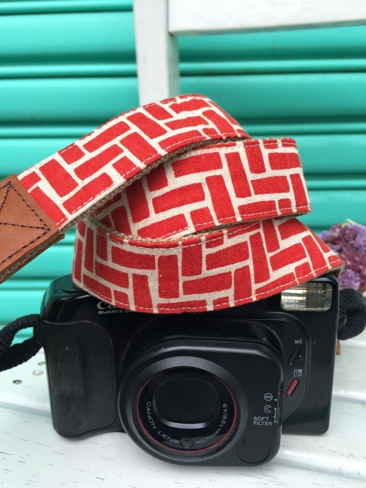 ﹝ Clare ﹞ vintage red cloth hand-made geometric print camera strap