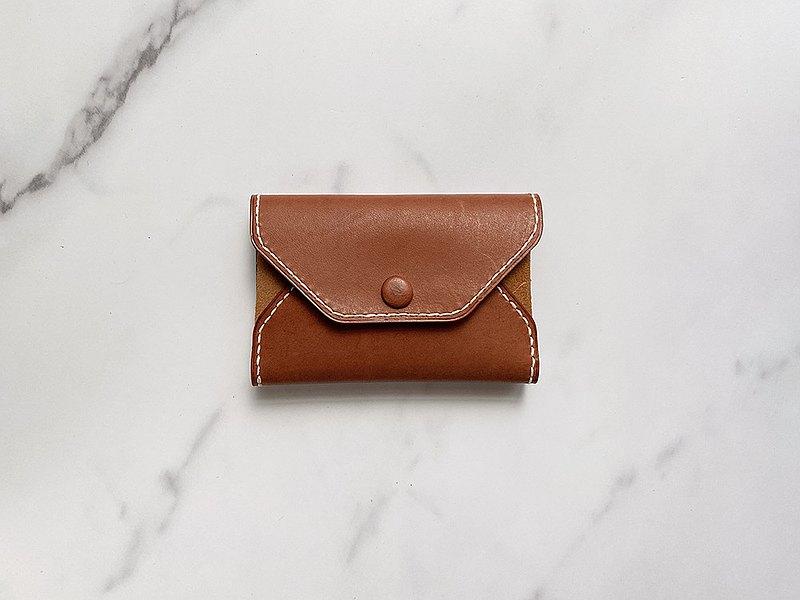 手工縫製暗綠色羊皮名片卡夾