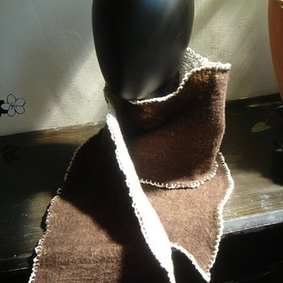 Wool felt trim Scarf