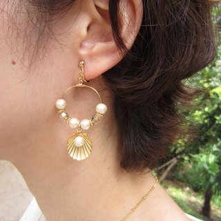 Hoop earrings shell