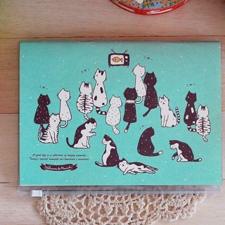 *Mori Shu*Ticket Collector - Cat watching TV (with book cover)