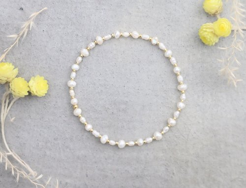 Natural pearl cross bracelet (0121)