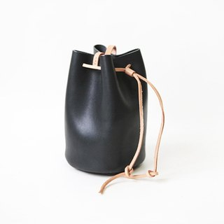 Volcanic black bucket bag large
