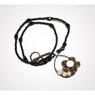 Curly flower necklace