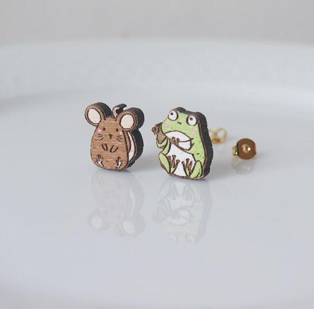"Wooden Earring ""The Rat and The Frog"""