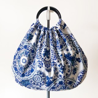 Vintage blue and white porcelain fight blue batik cloth grandmother package bag handbag double-sided bag walking package