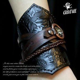 Atwill. One-eyed Willie hand-brushed original cow leather crystal buckle wide ve