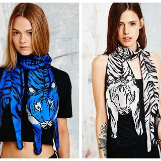 British Cleo Ferin Mercury 100% silk scarves character limit animal shape - Tiger (two-color)