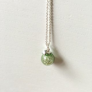 *Haku‧Neko*star light green glass necklace