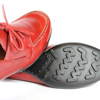 Lace red playful sailing shoes