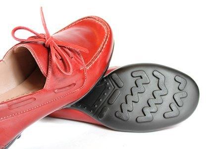 紅 綁帶俏皮帆船鞋