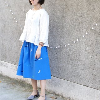 Silver moon, blue waves, knee-length black puppy --- pocket A word skirt sea