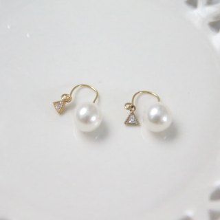 Antique Shop Tour Series Triangle Plated zircon Artificial Pearl Earrings