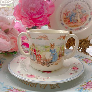 ♥ ♥ Annie crazy Antiquities British Royal Doulton Bunnykins made ceramic mug double handle ~ gifts, new Kucunshangpin