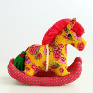 Even shook his hand-sewn Maputo / decorations (large yellow fabric) - Fabric Rocking Horse