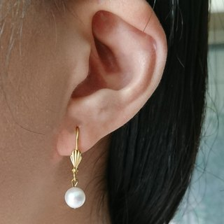 Shell Drop Earrings with Freshwater pearls