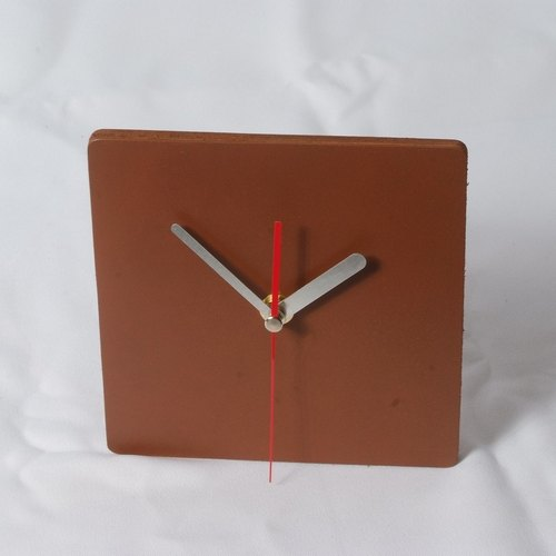 Minimalist style - round / square 100% leather, leather desk clock mute clock 22 cm -Mark Honor