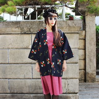 F1502 [within the Japanese system in standard] (Vintage) dark blue squares textured fine Japanese kimono haori (お wa ri)