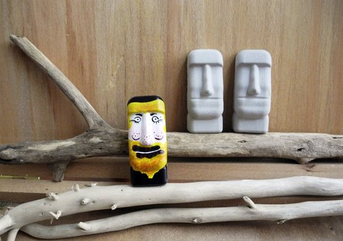 Easter Island Moai stone statues magnet mini - tour Africa's natural volume uncle