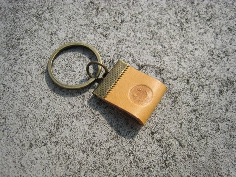 Gift / handmade leather strap _ small key ring / custom imprinted F00_2